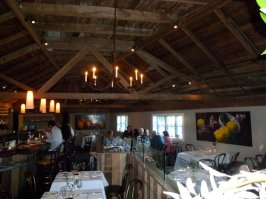 angele-view-of-the-restaurant